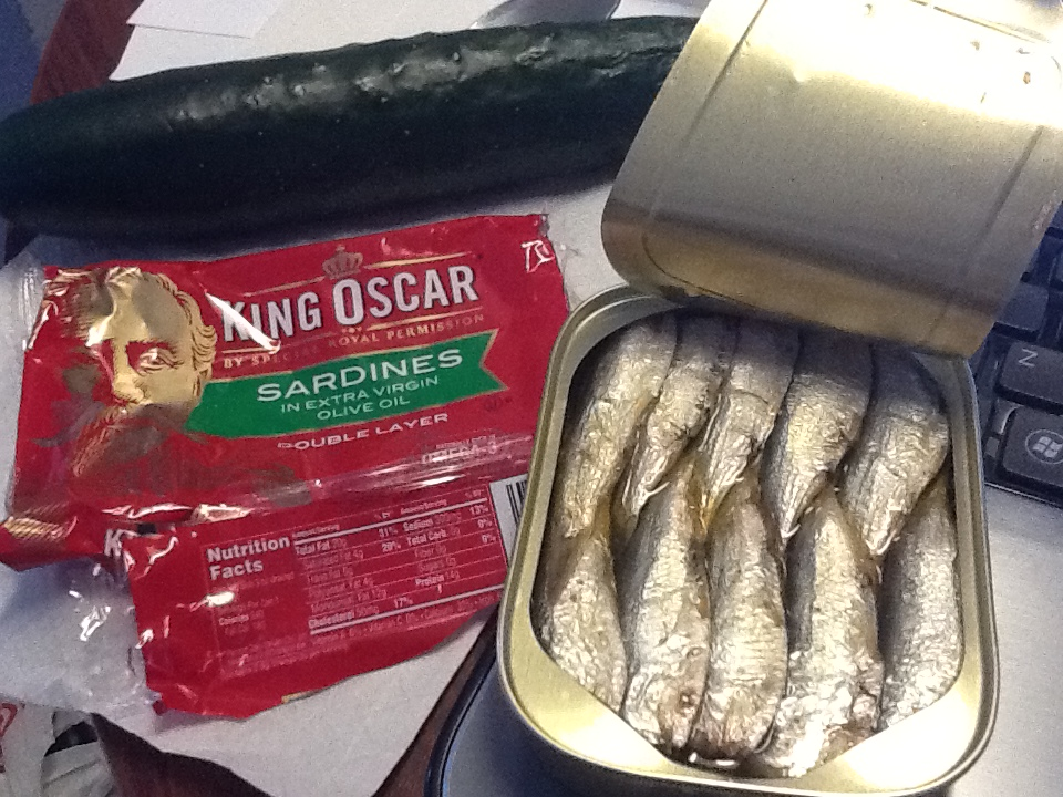 Lunch: 2:10 p.m. | 3.75 oz. sardines in olive oil, 1 cucumber