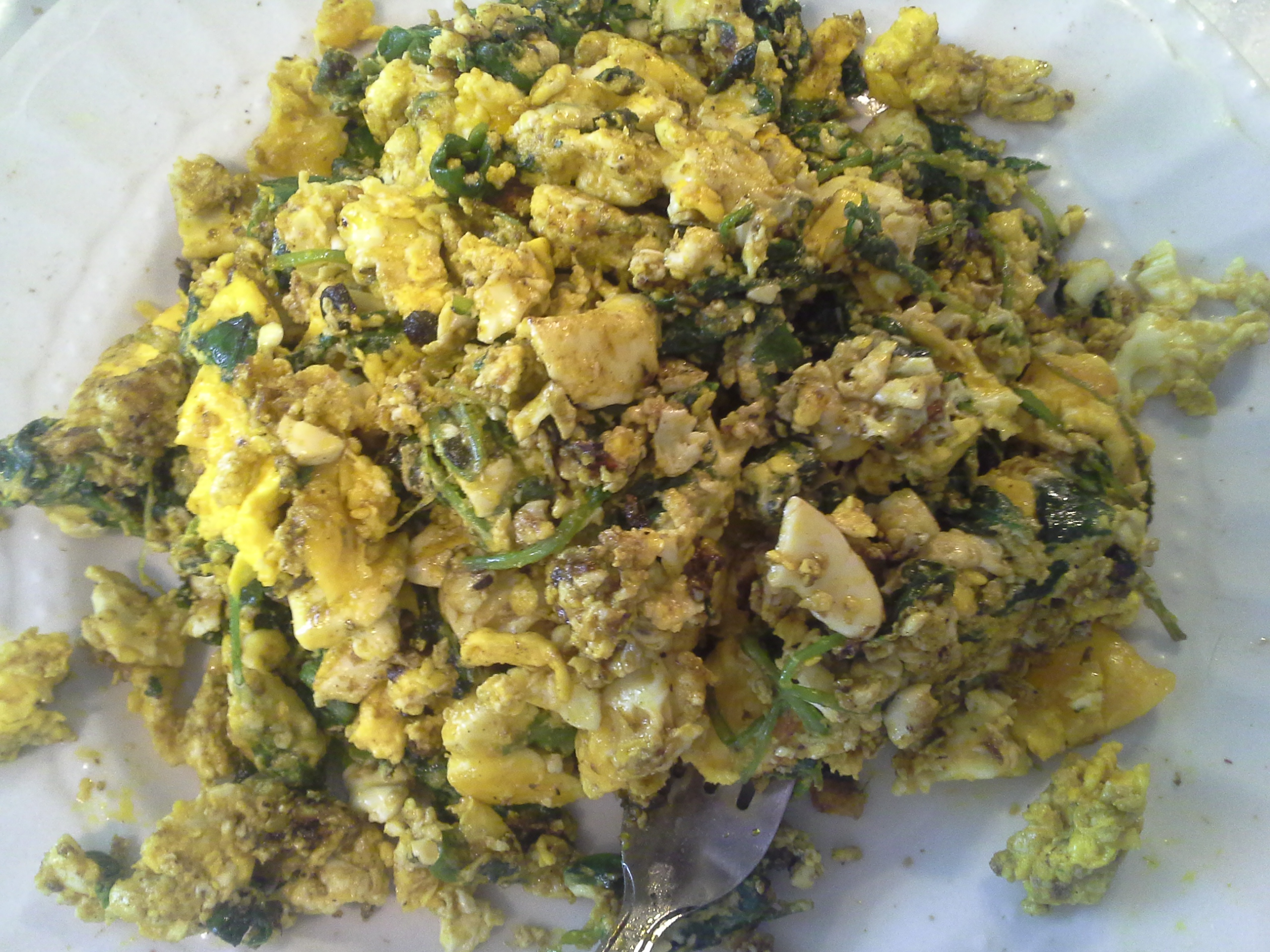 Breakfast: 11:35 a.m. | 6 eggs, 2 oz. baby kale, 2 Tbsp red palm oil, herbs & spices