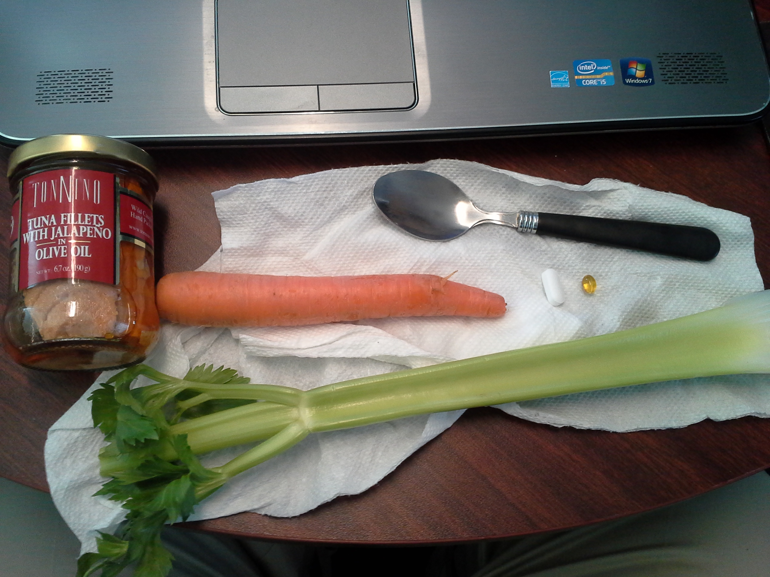 Lunch: 4:30 p.m. | 6.7 oz. tuna with jalapeños in olive oil, 1 carrot, 1 stalk celery, 5,000 IU Vitamin D capsule, Calcium/Magnesium/Zinc caplet