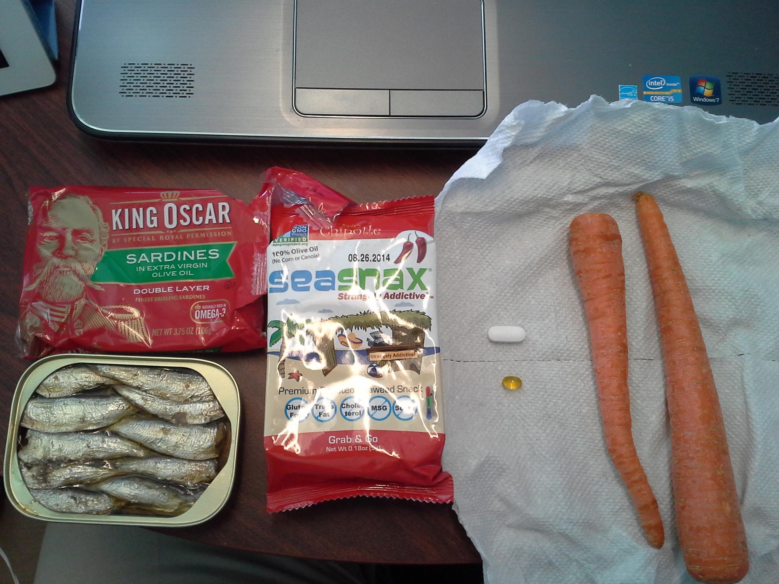 Lunch: 5:00 p.m. | 3.75 oz. sardines, 2 carrots, .18 oz. chipotle SeaSnax seaweed, 5,000 IU Vitamin D capsule, Calcium/Magnesium/Zinc caplet