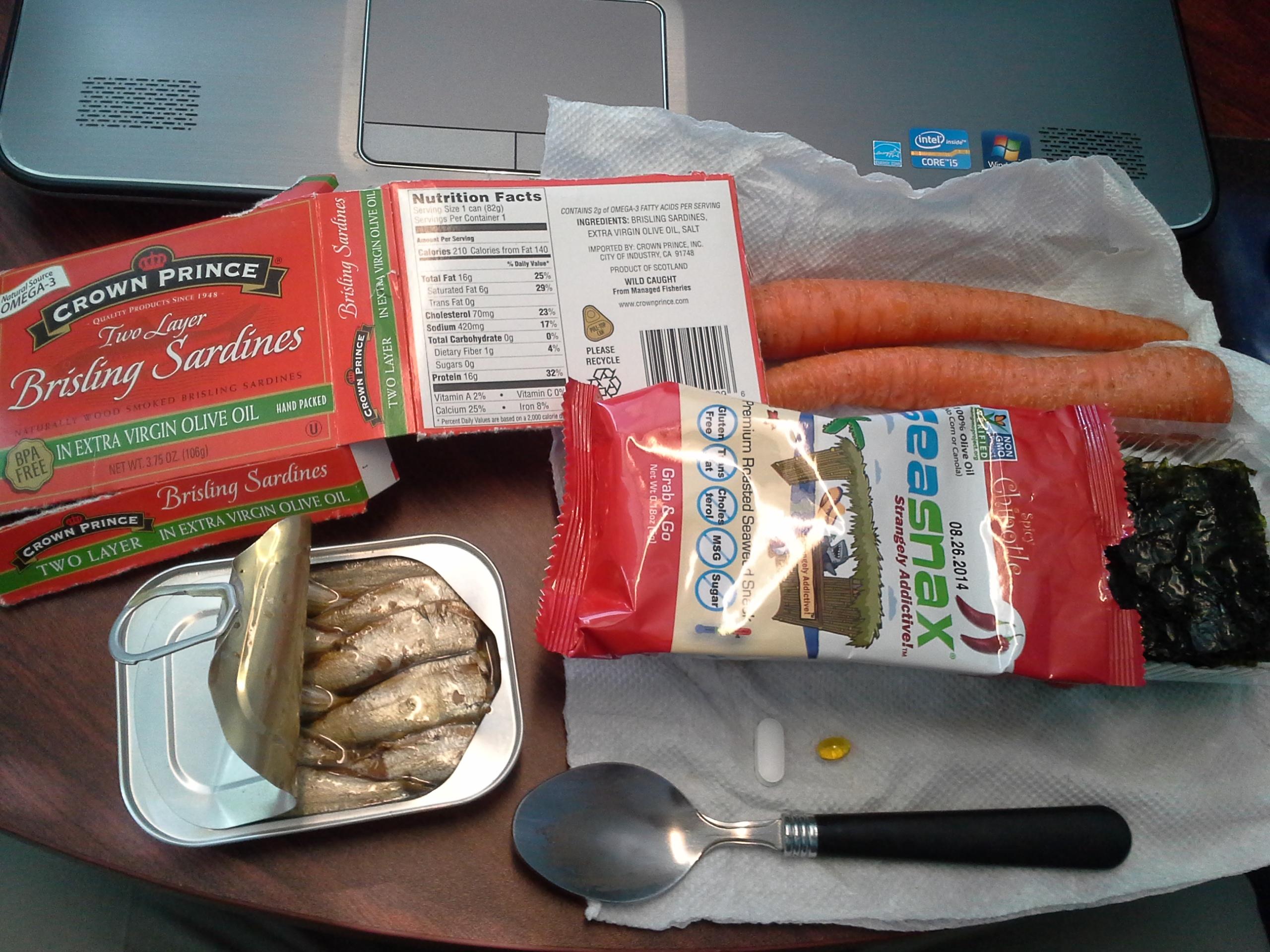 Lunch: 4:10 p.m. | 3.75 oz. sardines in olive oil, 2 carrots, .18 oz. SeaSnax seaweed, 5,000 IU Vitamin D capsule, Calcium/Magnesium/Zinc caplet